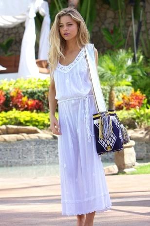 Wayuu bag  & white dress