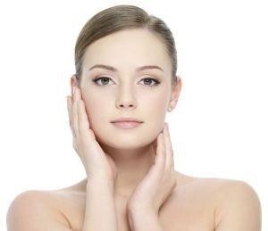 Botox pratiqué par le Docteur Aadil :   Aussi connu sous le nom de toxine botulique de type A ou Botox. Le Botox est une injection cosmétique qui bloque les signes nerveux qui provoquent les muscles à se contracter. Cet effet se détend et lisse l'apparence des…