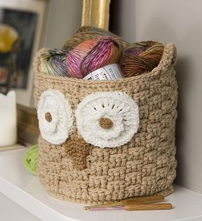 It's a Hoot Owl Container crochet patterns #crochetbaskets #crochetpatterns Crochet owl basket
