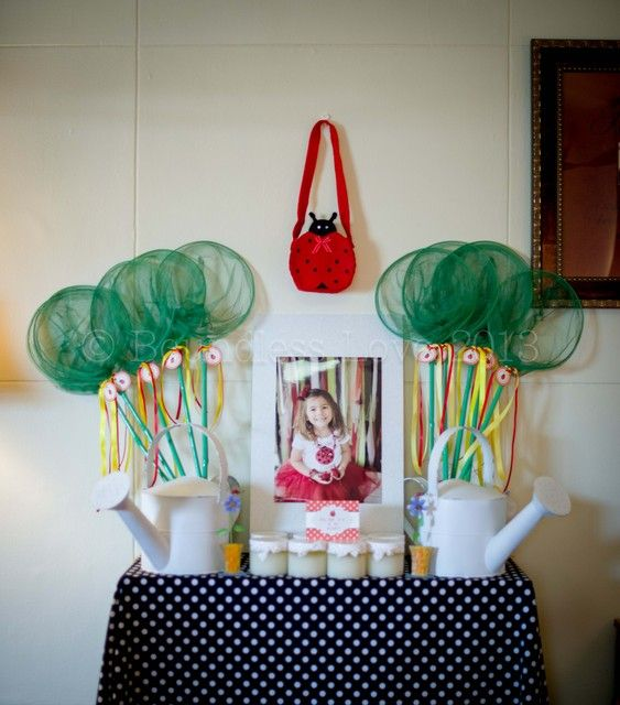 Lady Bug Garden Party:The Favor table