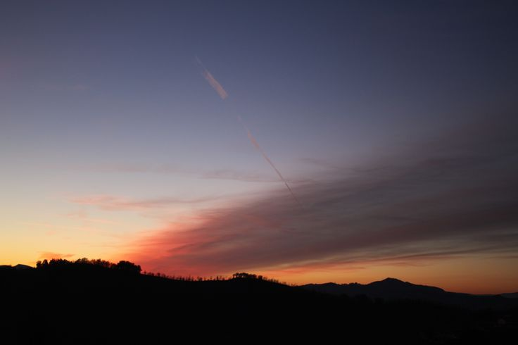 Gorgeous sunset over Le Marche hills near Urbino - Locanda della Valle Nuova www.vallenuova.it