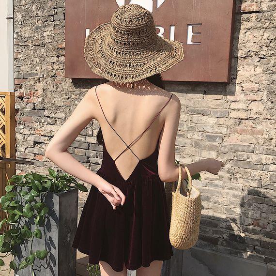 홍콩 맛 세련된 복고풍 스타일의 작은 섹시한 누출 다시 벨벳 워드 스커트 기질 V 넥 하네스 드레스 스커트 스커트