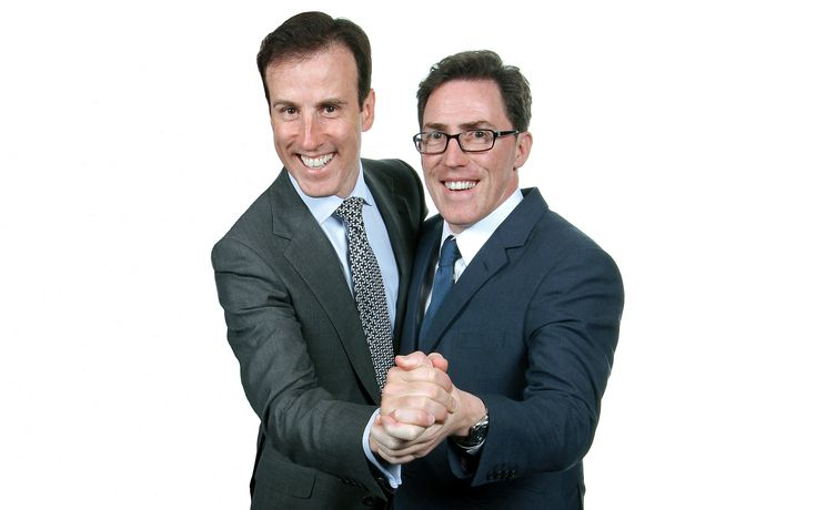 Strictly Come Dancing professional dancer Anton Du Bec and comedian Rob Brydon at 'Golf with the Stars' charity event in support of CHASE children's hospices in Guildford and Weybridge, Surrey. Photography by Redcat Photography based in Godalming. #robbrydon #antondubec Copyright © Glenn Harvey 2009 all rights reserved.