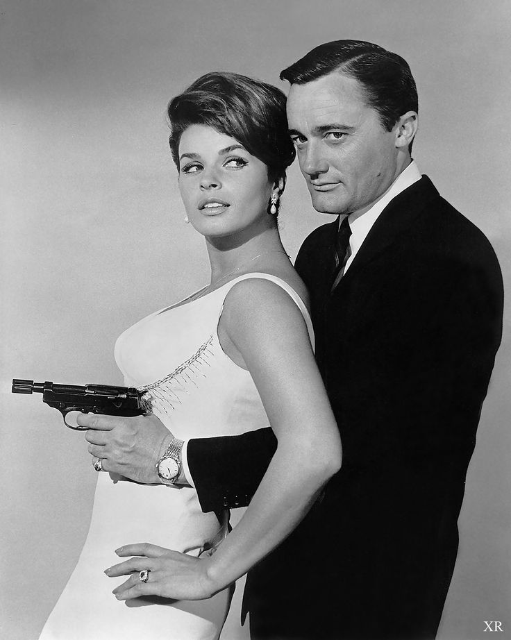 "https://flic.kr/p/y8cUoi | ... interfering with his aim! | Senta Berger and Robert Vaughan ""The Man from UNCLE"""