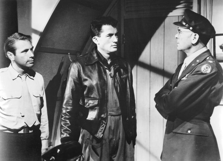 Gary Merrill, Gregory Peck, and Dean Jagger in TWELVE O'CLOCK HIGH (1949). Directed by Henry King.