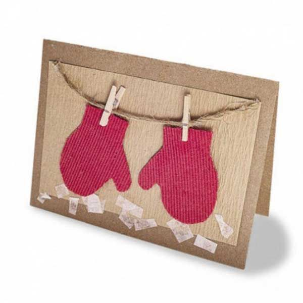 This handmade winter mittens holiday card is just too cute! Kidfolio - the app for parents - kidfol.io