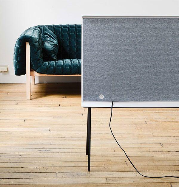 bouroullec-samsung-serif-television-designboom-14-818x856