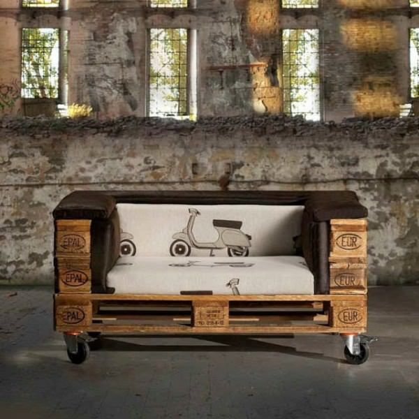 Fantastic stylish and beautiful sofa made from repurposed euro pallets. This sofa is made from 3 repurposed pallets. One pallet for the base, one pallet for the back and one more pallet that you will have to break to create…