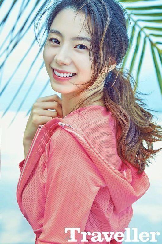 Lifestyle Magazine 'Traveller' Features The Actress Park Soo Jin! | Koogle TV