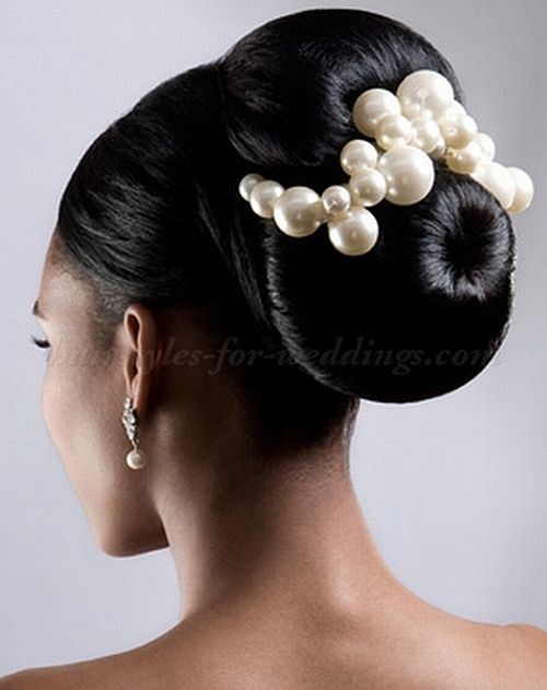 So cute  Large bun hairstyle for brides