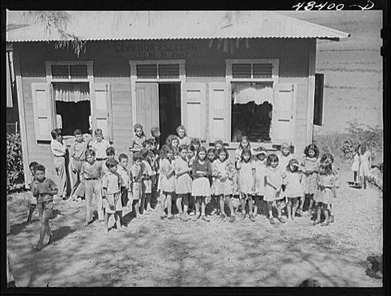 1000 images about fotos antiguas on pinterest 1940s - Fotos antiguas de rociana del condado ...