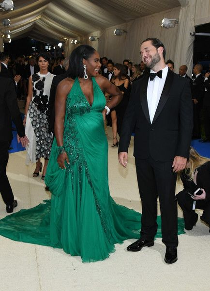 "Serena Williams Photos Photos - Serena Williams and Alexis Ohanian attend the ""Rei Kawakubo/Comme des Garcons: Art Of The In-Between"" Costume Institute Gala at Metropolitan Museum of Art on May 1, 2017 in New York City. - ""Rei Kawakubo/Comme des Garcons: Art of the In-Between"" Costume Institute Gala - Arrivals"