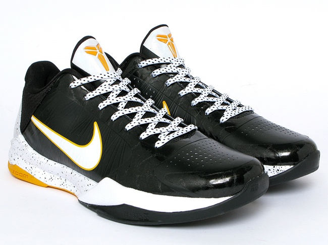 Kobe V, del sol. Best bball shoes I've played in.