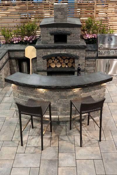 Backyard Fireplace & Eating Area!