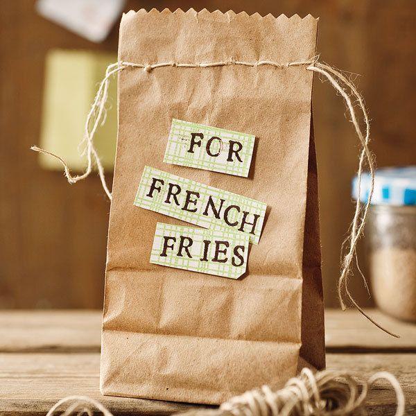 Die klassischen Pommes frites werden mit dieser individuellen Gewürzmischung zu einem kulinarischen Highlight - unbedingt probieren!