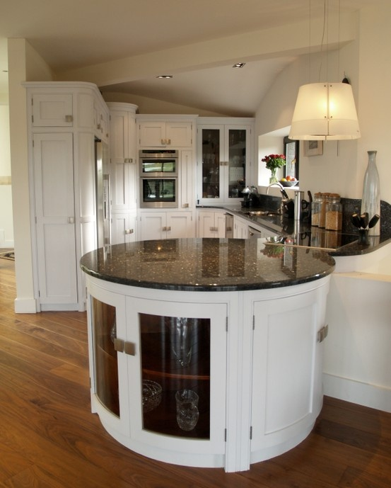 Contemporary Painted Kitchen With Granite Worktops, Curved