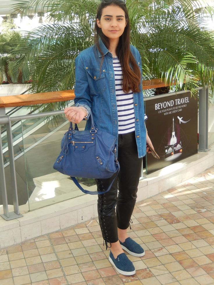 Для уличного стиля характерно соединять джинсовую обувь и повседневные наряды в пастельных тонах