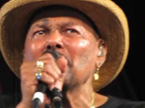 Aaron Neville • When The Saints Go Marching In