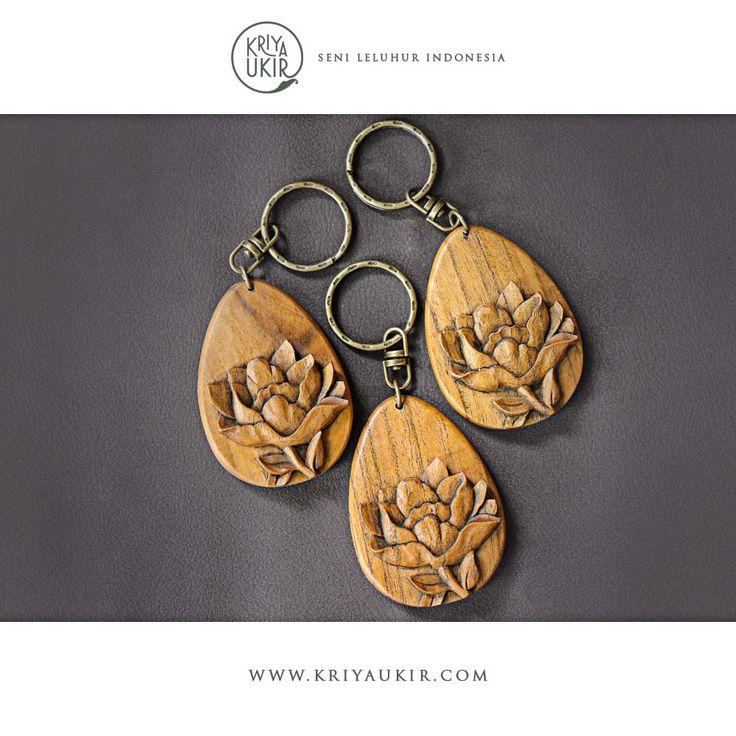 Jual-Souvenir-Kerajinan-Gantungan-Kunci-Kayu-Kriya-Ukir-Jepara-Indonesia-1