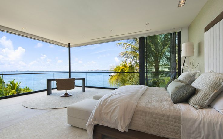 Luis Bosch Designs And Builds A New Modern Miami Beach Home