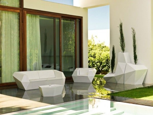 Unique Chair Furniture from Contemporary Family House Design with Geometry Concept in Valencia Spain 600x450 Contemporary Family House Design with Geometry Concept in Valencia, Spain