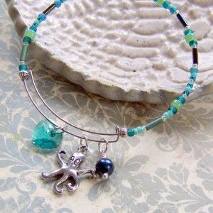 How to make an Alex and Ani style expandable bangle bracelet with Memory Wire and TOHO seed beads.