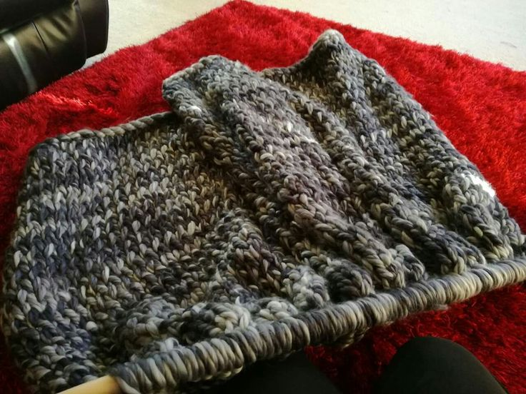 Watch the king sized hand knitted blanket grow