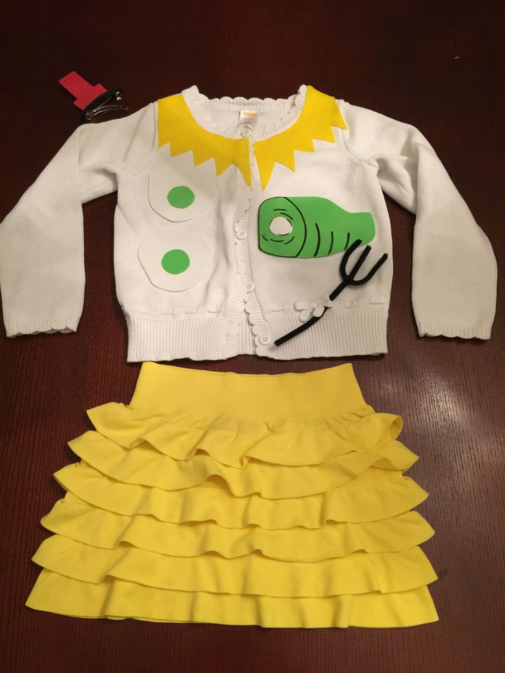 Green eggs and ham outfit for Dr Seuss day.  Threw it together at 2am.  Thank goodness for self sticking felt and foam stock.