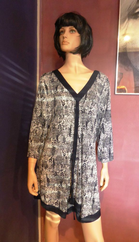 Autograph Abstract Pattern Navy and White Long Sleeve Tunic Dress Size 20