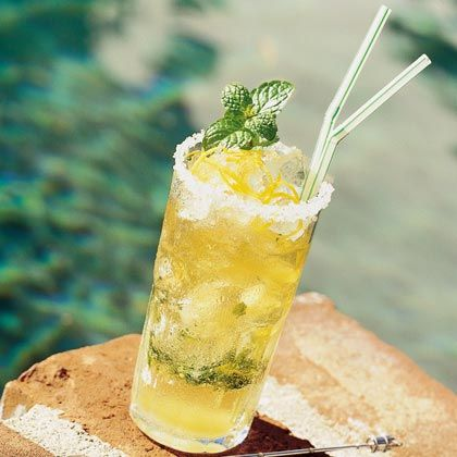 Mint Julep Recipes - Kentucky Derby Classic - This #mom2summit treat at the @rclagunaniguel was delicious!