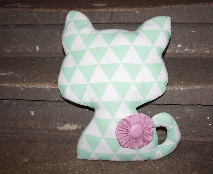 Ber ideen zu katzen kissen auf pinterest for Kinderzimmer deko mint