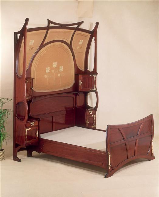 Gustave Serrurier-Bovy | Mobilier de chambre à coucher : Lit | Images d'Art