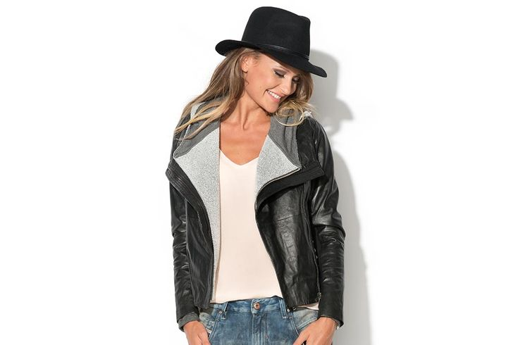 Jump Into The Fall: boyfriend jeans & hat & leather jacket