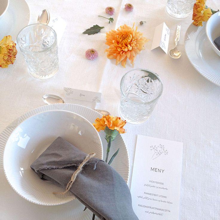 Lekkert bord dekket til fest med meny og bordkort i design 'Enkelhet' // ELM DESIGNKOLLEKTIV 2016