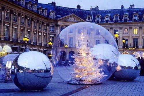 Vendome, Paris ... Christmas balls