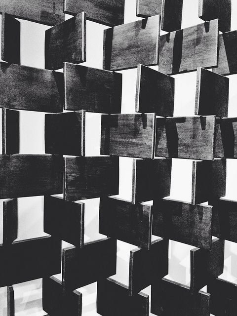 scandinaviancollectors:  EILEEN GRAY, Brick screen, designed 1923-1925. Material lacquered wood, steel and bronze. Re-production by Aram. / Pinterest