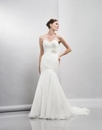ERIN dropped waist chiffon wedding dress http://www.christiannebrunelle.com/English/Lis-Simon-wedding-dresses/