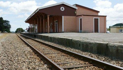 Inglewood, Taranaki, New Zealand #kwihospo #RailwayHotelInglewood #KiwiHotels