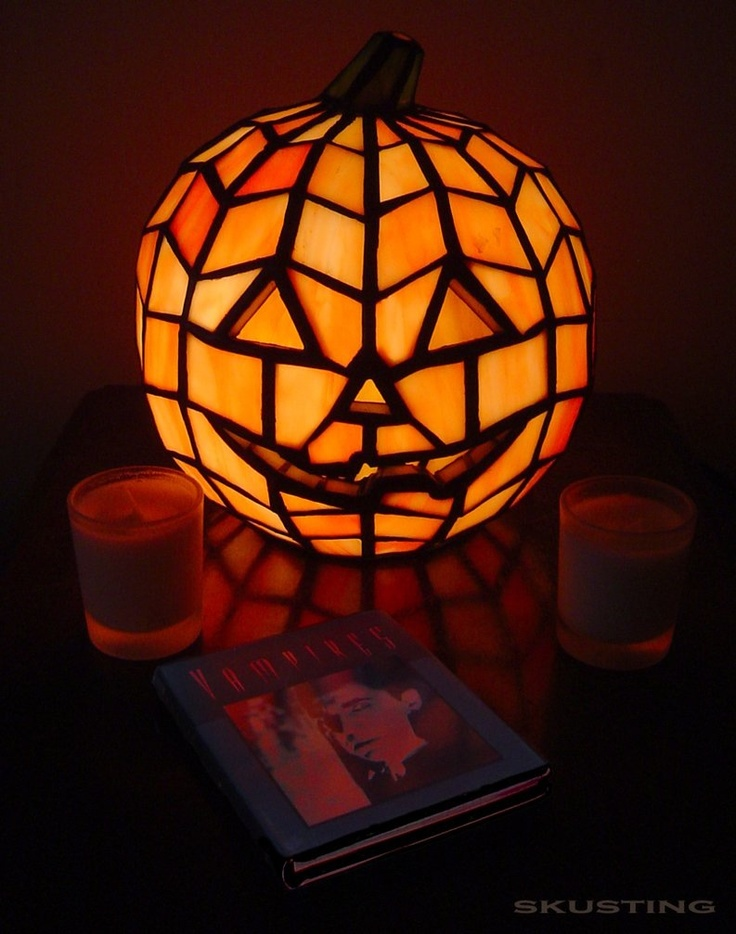 happy halloween optical illusion