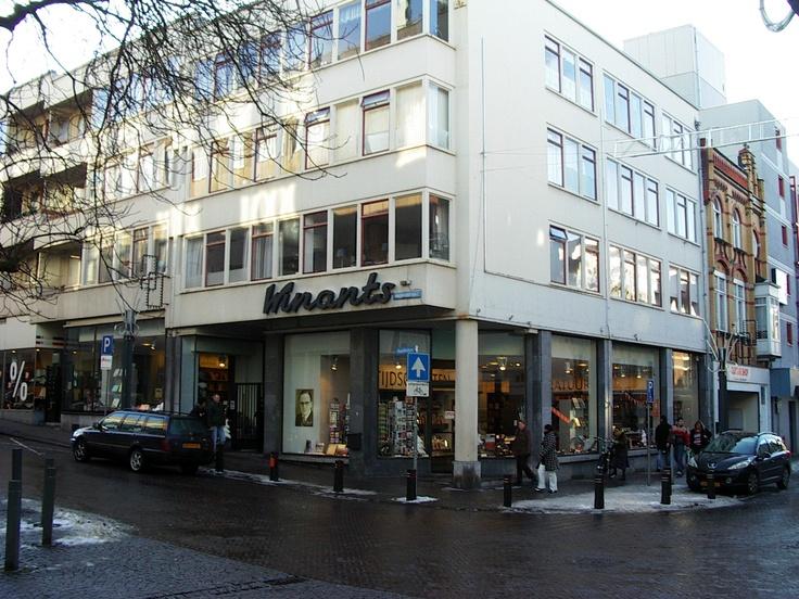 Geleenstraat Heerlen, Boekhandel Winants op de hoek.