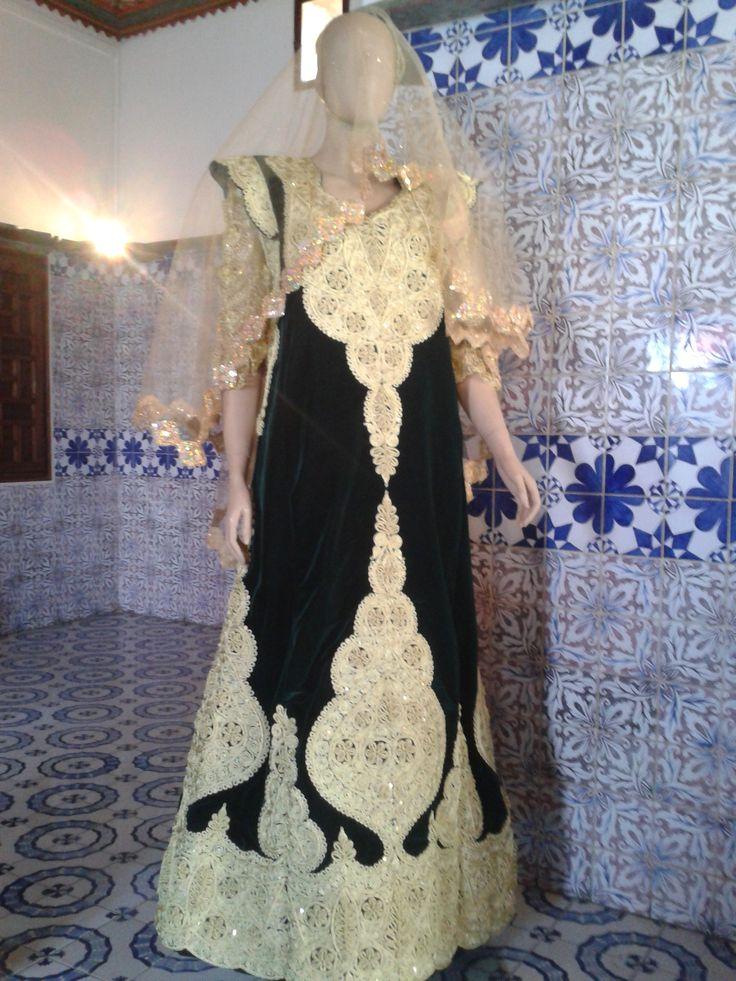 gandoura robe traditionnelle de annaba brod e de fetla alg rie gandoura traditional. Black Bedroom Furniture Sets. Home Design Ideas