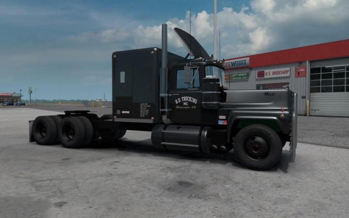 Ats Mack Rs 700l Rubber Duck Reworked 1 35 X Download In 2020 American Truck Simulator Trucks Mack