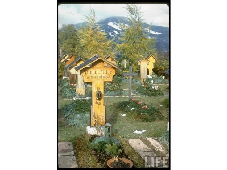 Paula Hitler's Grave