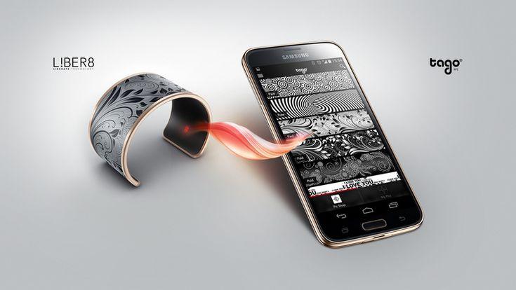 Tago Arc e-ink bracelet with customizable pattern. No cord, no button, no battery. liber8tech.com