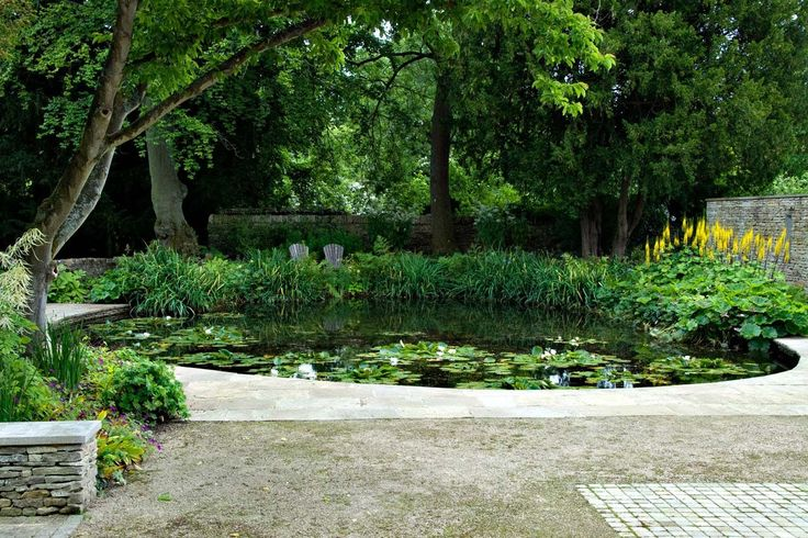I wish I could have a pond in my garden.  Heck, I wish I had a garden...    Gloucestershire — Dan Pearson Studio