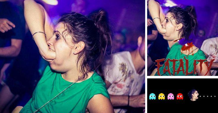 Quizá nunca sabremos el nombre de esta chica o el por qué estaba en un club nocturno metiéndose el puño en la boca, pero para el internet, es una heroína