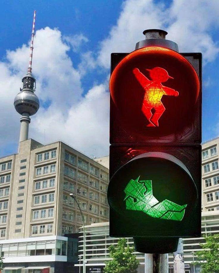 Happy Labor Day! ;) #LittleGreenMan #AmpelmannWorld #FollowAmpelmann #ampelmannLifestyle #Berlin