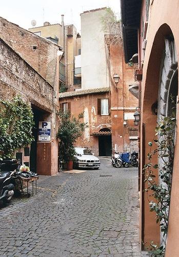 Vicolo del Piede, Trastevere, Rome