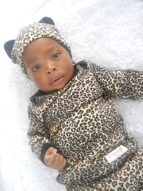 Adorable cheetah outfit for your little one