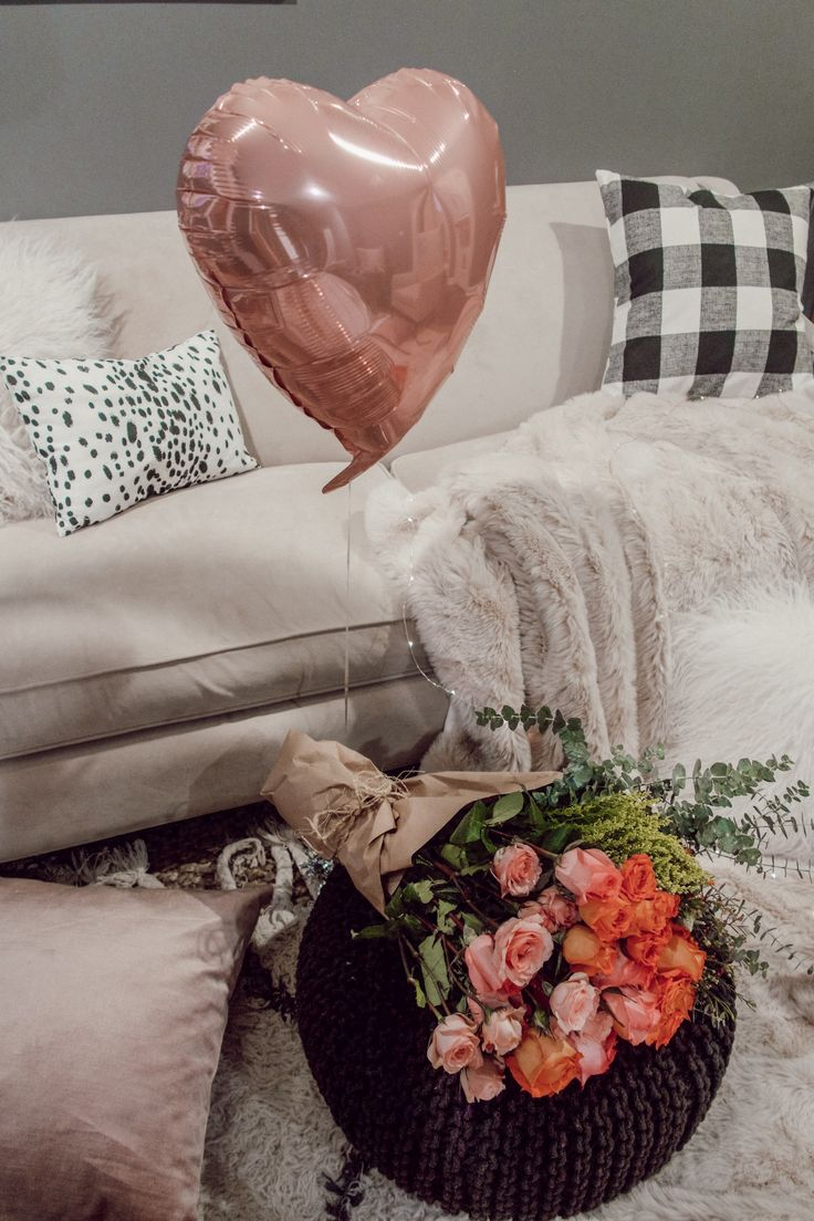 How To: Date Night in Done Right. Flowers and heart balloon for Valentine's Day
